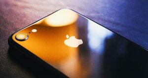Apple-Fixes-Flaw-that-Breaks-iPhone-Wi-Fi-using-Rogue-Hotspot-featured-image